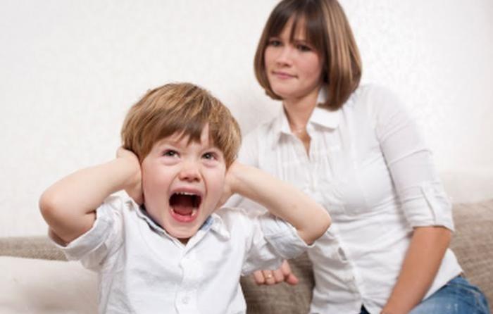 В чём причина детских капризов?