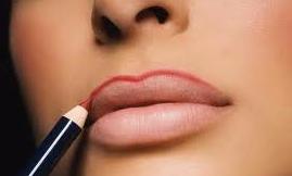 Как зрительно увеличить губы