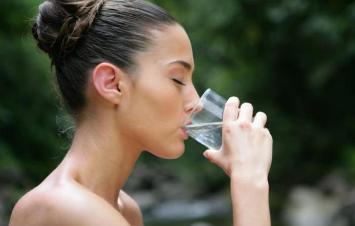 Как сбросить вес при помощи воды