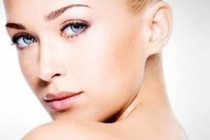 Как необходимо очищать кожу лица?